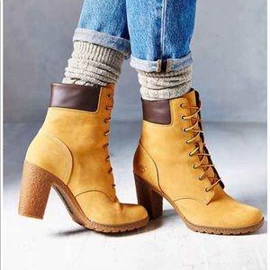 💕Host Pick💕Timberland Wheat Heeled Boot  6.5